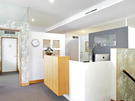 Symmetry-Orthodontics-reception-area